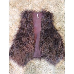 Faux fur mauve vest WITH POCKETS♥️